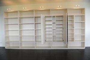 Blokvorm architectuur meubel ontwerp boekenkast