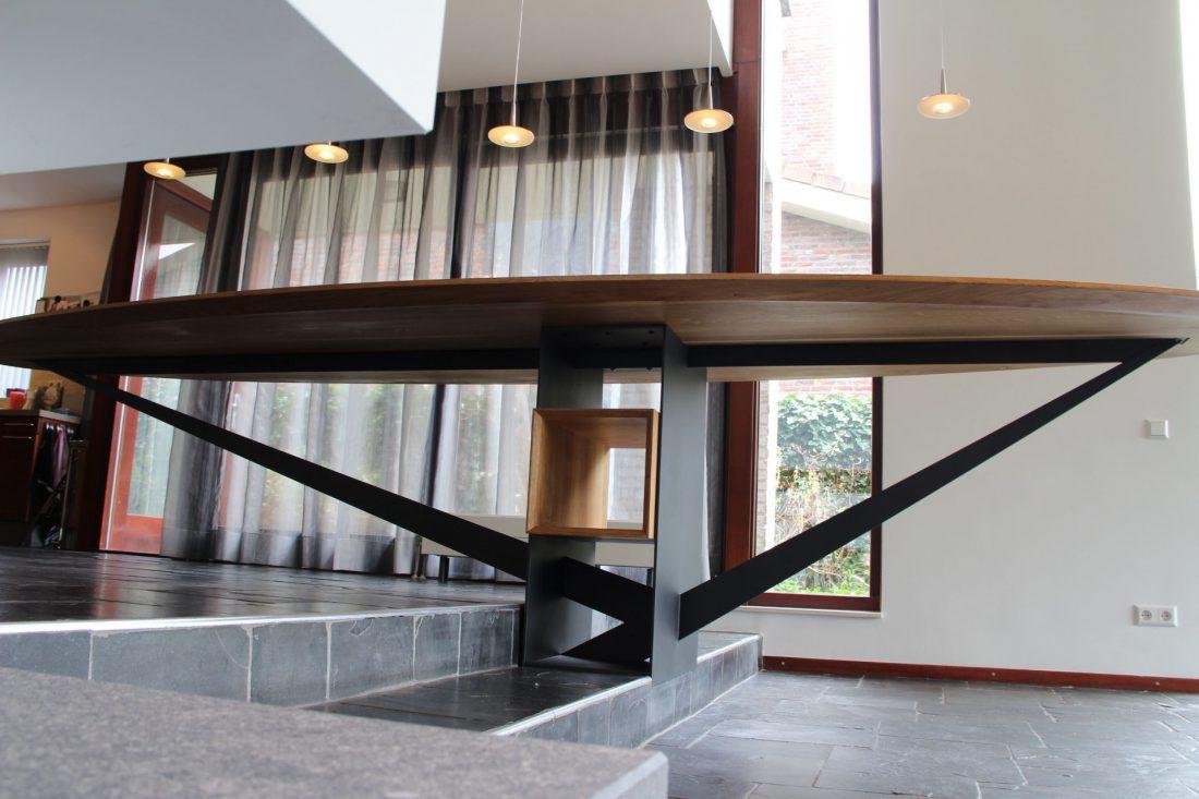 Blokvorm architectuur meubel ontwerp ovale tafel
