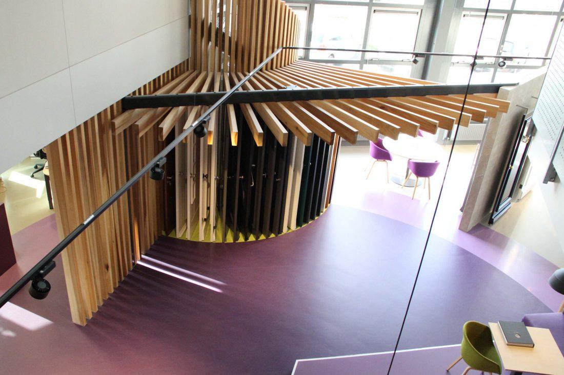 Blokvorm architectuur zakelijk kantoor showroom